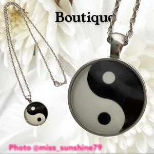 Boutique NEW - yin yang traditional - necklace